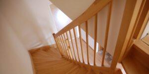 stopnice prva stran
